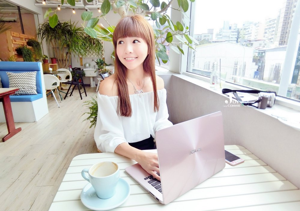 ASUS ZenBook UX430♥ 華碩13吋機身卻擁有14吋大螢幕 超美、力玫瑰金筆電開箱文 ♥ 小Connie愛夢遊。空姐推薦