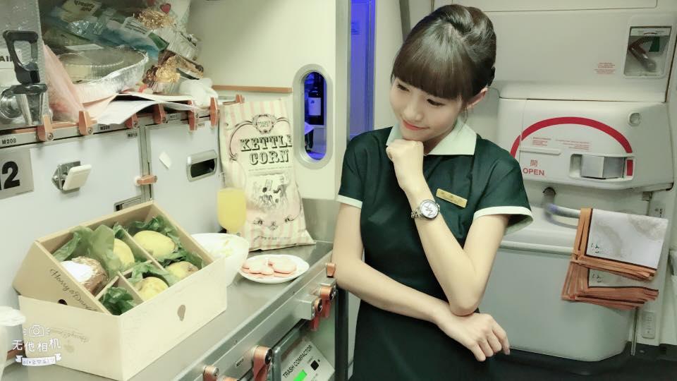 [ 空服員Q&A ] 關於綠色空姐『常見』的第一百零一個問題 ♥ 小Connie愛夢遊